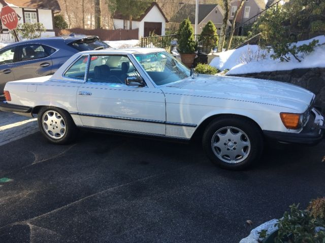 1985 mercedes benz 380sl white with navy blue leather and for Navy blue mercedes benz