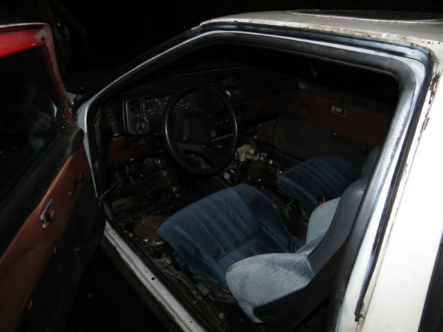 1985 Toyota Corolla Sport GTS AE86 Hatchback 2-Door 1 6L 20v