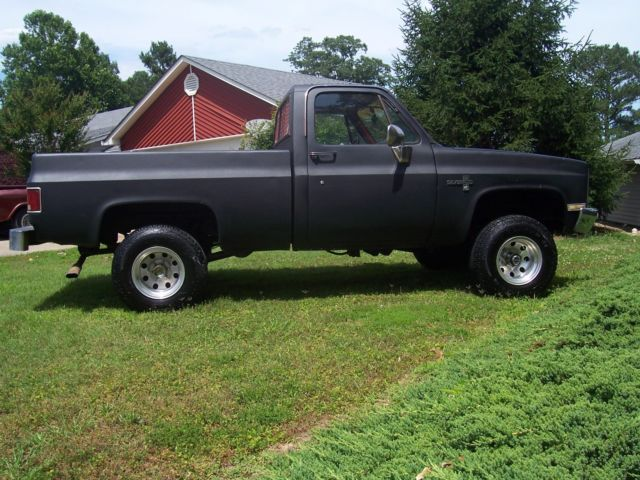 1986 chevrolet c10 square body short bed 4x4 rust free awesome truck new tires for sale. Black Bedroom Furniture Sets. Home Design Ideas