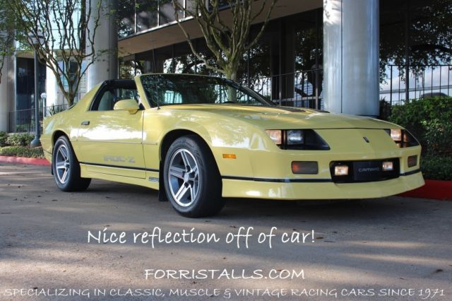 1986 chevrolet camaro iroc z with t tops for sale. Black Bedroom Furniture Sets. Home Design Ideas
