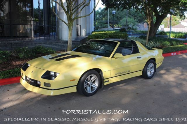 1986 chevrolet camaro iroc z with t tops for sale chevrolet camaro 1986 for sale in houston. Black Bedroom Furniture Sets. Home Design Ideas