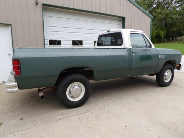 1986 dodge 250 custom 4 wheel drive pickup truck 360 motor manual transmission for sale dodge. Black Bedroom Furniture Sets. Home Design Ideas