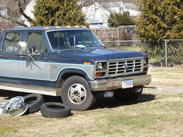 1986 Ford Dually Crew Cab Pickup Truck Towing Package