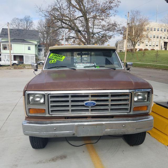1986 ford f 250 f250 2wd pickup work shop truck 6 9l v8 diesel 3 speed automatic for sale ford. Black Bedroom Furniture Sets. Home Design Ideas