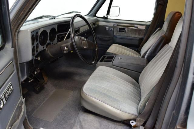 1986 gmc suburban fresh paint 350 auto 20 riddler ac new interior nice for sale gmc. Black Bedroom Furniture Sets. Home Design Ideas