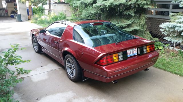 1986 iroc z28 low mileage t tops for sale chevrolet. Black Bedroom Furniture Sets. Home Design Ideas
