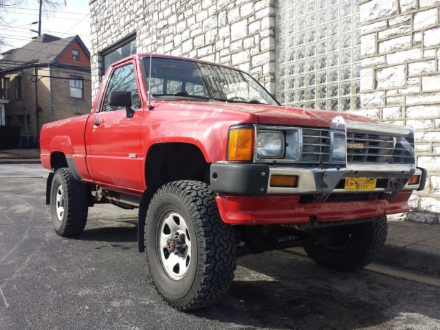 1986 toyota 4x4 pickup 350 chevy v8 swap trd off road small block hot rod for sale toyota. Black Bedroom Furniture Sets. Home Design Ideas