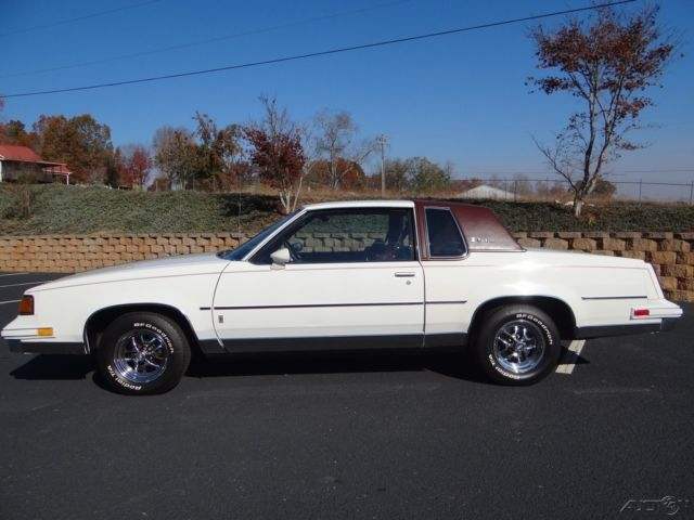 1987 Oldsmobile Cutlass Supreme Bougham One Owner