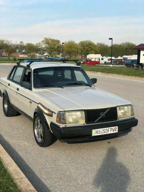 1987 Volvo 240 - Turbo LS swap - 9 second grocery getter for
