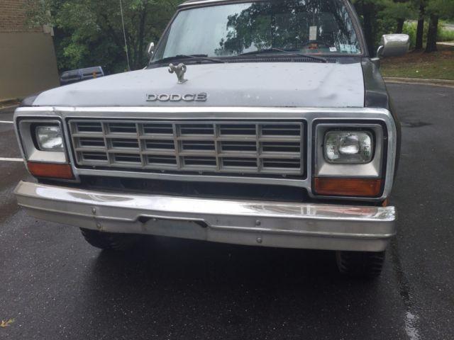 1988 dodge d 150 ram 1500 4x4 2 door pick up truck dodge le 150 power ram for sale dodge other. Black Bedroom Furniture Sets. Home Design Ideas
