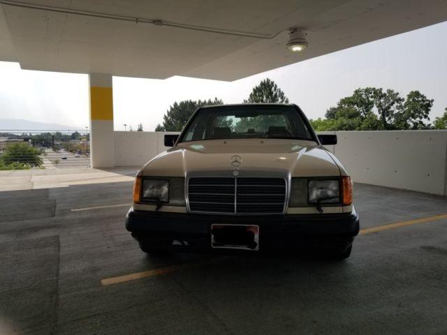 1988 Mercedes 300E - Clean title - 150k miles - Very good
