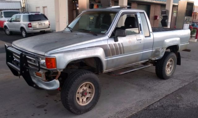 1988 toyota hilux pickup extra cab 4x4 sr5 2 door tacoma truck lifted 4wd efi for sale toyota. Black Bedroom Furniture Sets. Home Design Ideas