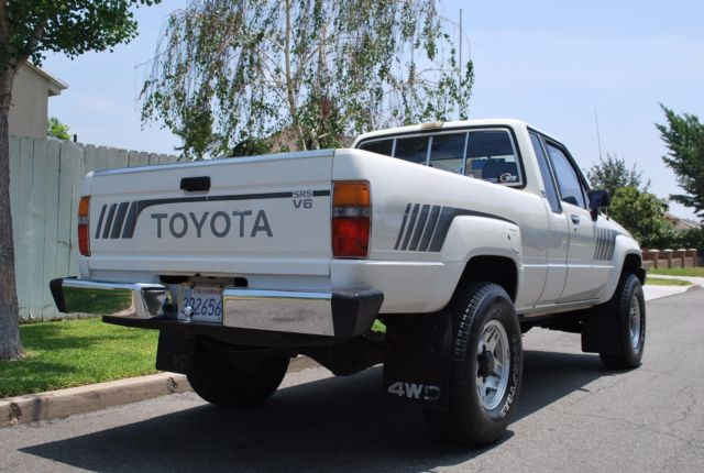 1988 toyota pickup 4x4 v6 sr5 for sale toyota pickup 4x4. Black Bedroom Furniture Sets. Home Design Ideas