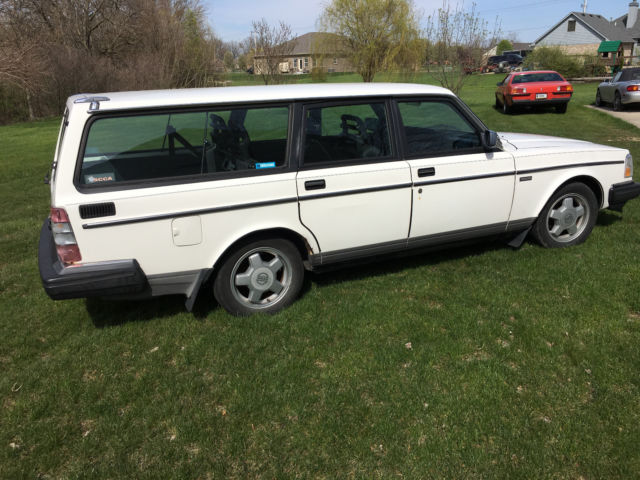 1988 volvo 240 5 speed wagon w extra turbo motor ipd suspension for sale volvo 240 dl 1988. Black Bedroom Furniture Sets. Home Design Ideas