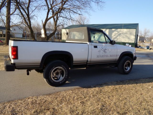1989 dodge dakota convertible sport 4x4 pickup for sale dodge dakota sport convertible 1989. Black Bedroom Furniture Sets. Home Design Ideas