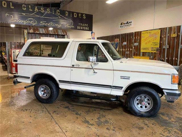 1989 Ford Bronco, White with 173,631 Miles available now ...
