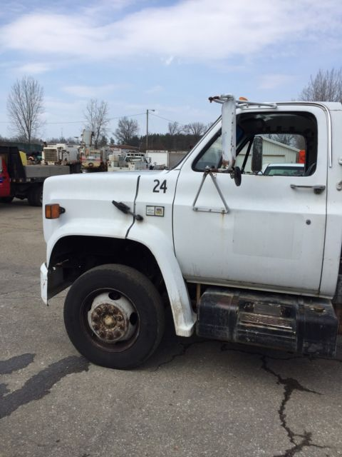 1989 gmc c 60 cab and chassis 8 2 gm diesel engine for for Gmc motors for sale