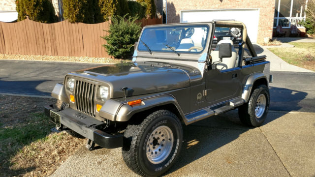 1989 jeep wrangler sahara sport utility 2 door 4 2l for sale jeep wrangler 1989 for sale in. Black Bedroom Furniture Sets. Home Design Ideas
