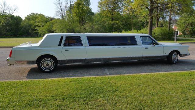 1989 Lincoln Town Car Stretch Limousine 18k Miles For
