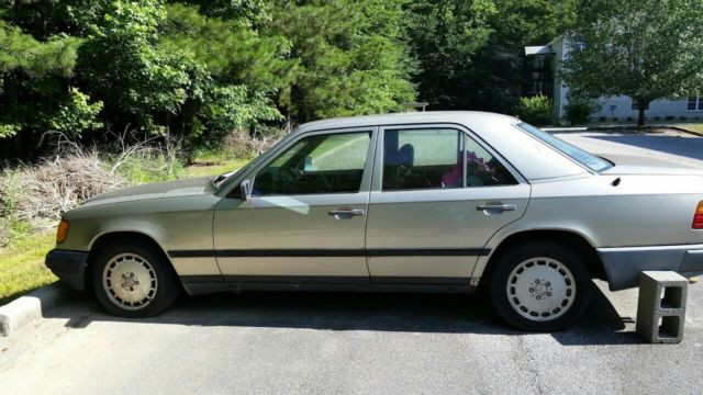 1989 Mercedes Benz 300e For Parts Only Needs A New