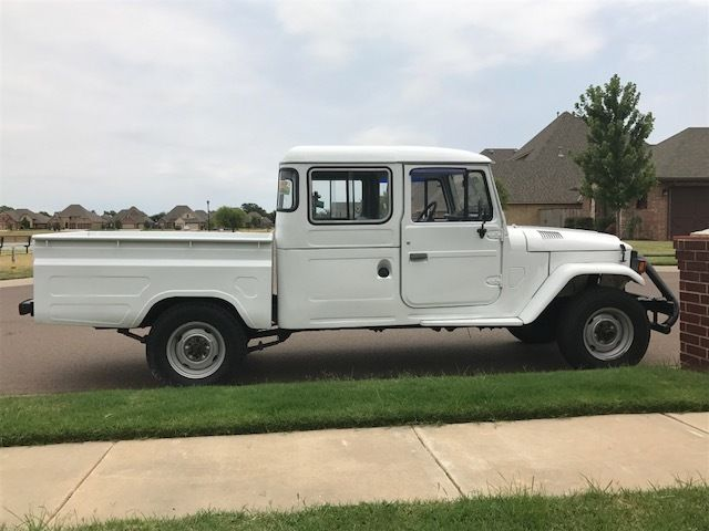 1989 white 4x4 pickup truck fj land cruiser fj40 fj45 hj45 diesel for sale toyota land. Black Bedroom Furniture Sets. Home Design Ideas