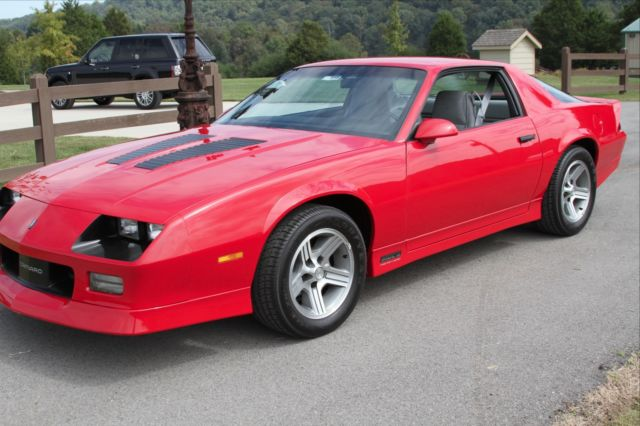 1990 camaro iroc 1le g92 1400 original miles rare. Black Bedroom Furniture Sets. Home Design Ideas