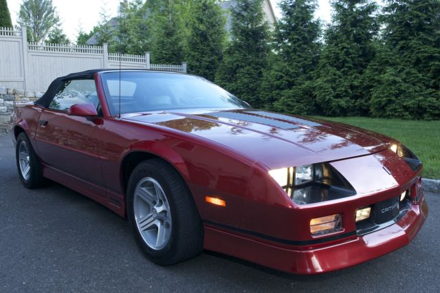 1990 chevrolet camaro iroc z convertible 2 door 5 0l for. Black Bedroom Furniture Sets. Home Design Ideas