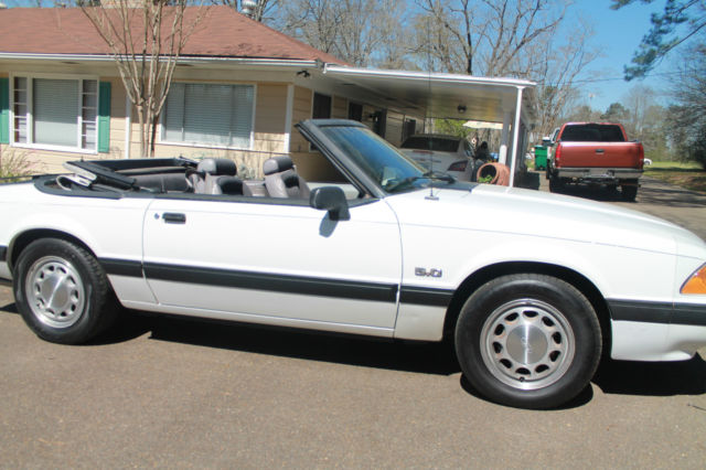 1990 ford mustang lx convertible 2 door 5 0l automatic for sale ford mustang gt options 5 0 w. Black Bedroom Furniture Sets. Home Design Ideas
