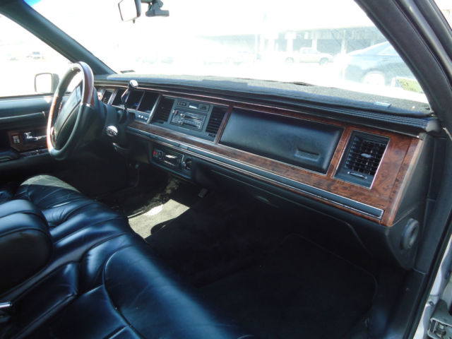 1990 Lincoln Town Car Signature Sedan 4 Door 5 0l For Sale Lincoln