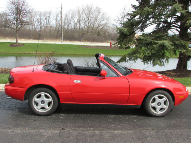 mazda miata base convertible 2 door 1 6l for sale mazda mx 5 miata. Black Bedroom Furniture Sets. Home Design Ideas