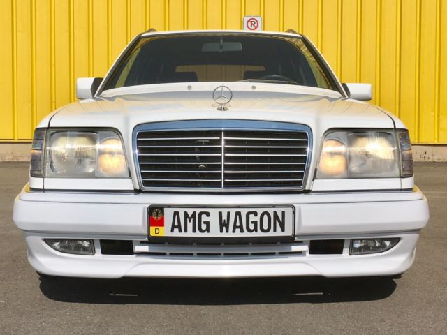 1990 Mercedes E Class 300TE Wagon with AMG BODY KIT 500E W124 AMG