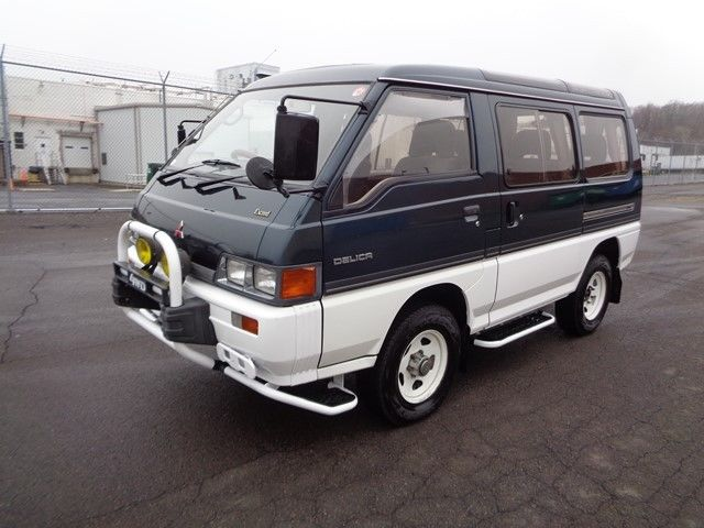 1990 mitsubishi delica 4wd 4x4 syncro 5 speed manual turbo diesel nice for sale mitsubishi. Black Bedroom Furniture Sets. Home Design Ideas