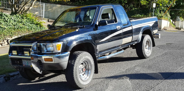 1990 Toyota Pickup DLX Extended Cab Pickup 2-Door 3 0L for