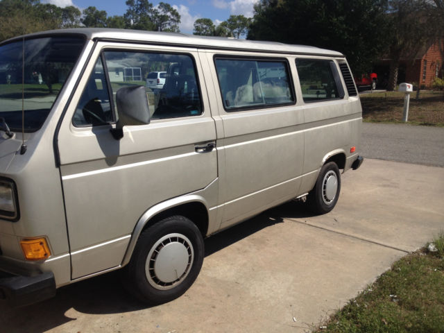 1990 volkswagen vanagon with wheel chair lift for sale. Black Bedroom Furniture Sets. Home Design Ideas