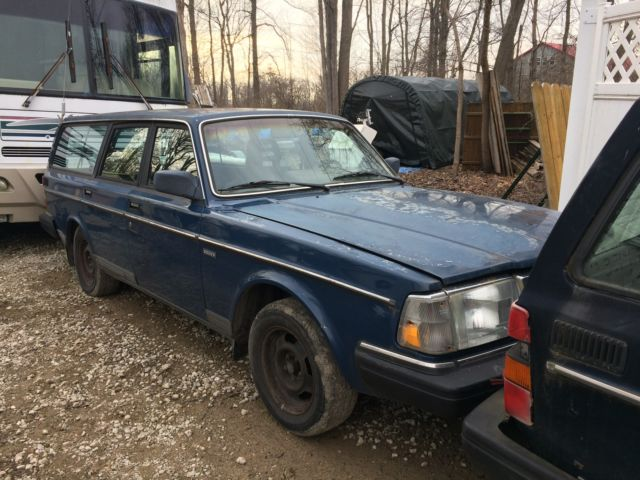 1990 volvo 240 wagon 4 door 2 3l blue blue cloth interior fix or parts for sale volvo 240. Black Bedroom Furniture Sets. Home Design Ideas