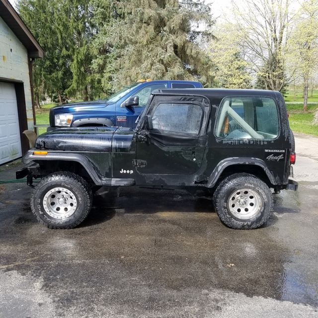 1990 yj with hard and soft top fixer upper for sale jeep wrangler 1990 for sale in leetonia. Black Bedroom Furniture Sets. Home Design Ideas