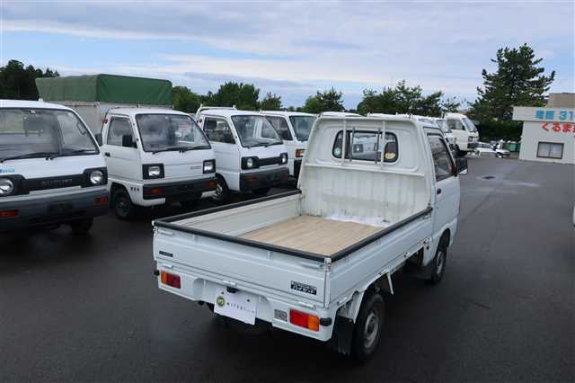 1991 Daihatsu Hijet Truck 2WD!! Mini Trucks Are Easy To Go