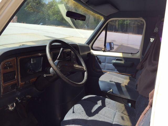 1991 Ford E-350 Econoline Club Wagon Custom Extended