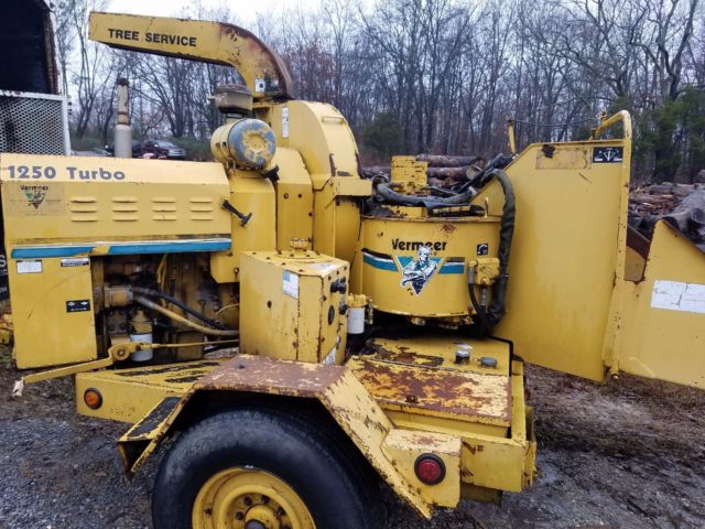 1991 GMC chipper truck with Vermeer wood chipper for sale - GMC
