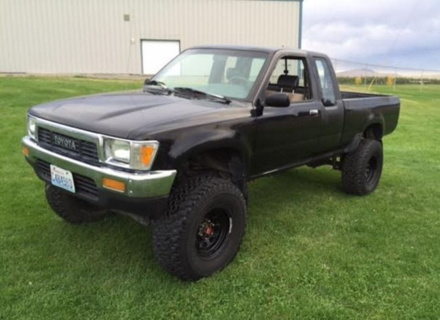 1991 Toyota 4x4 pickup extra-cab, 4-cylinder, 5-speed manual