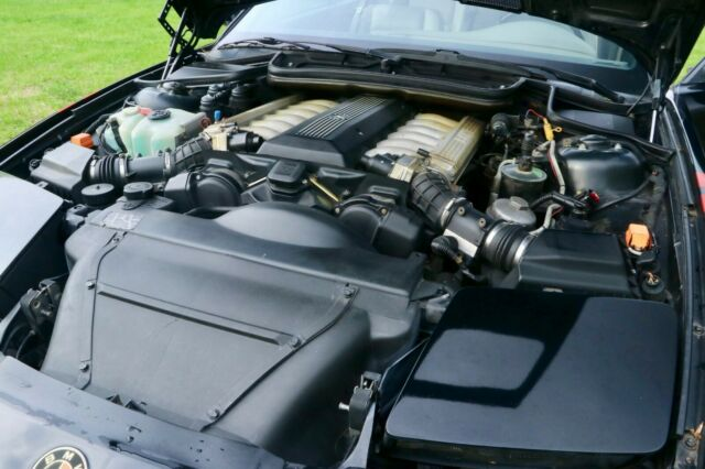1992 BMW 8 Series 850i v12 5 0L 24V 2dr Black Coupe RARE