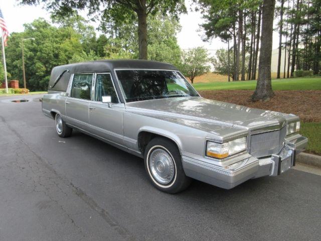 109786 1992 Cadillac Eureka Hearse