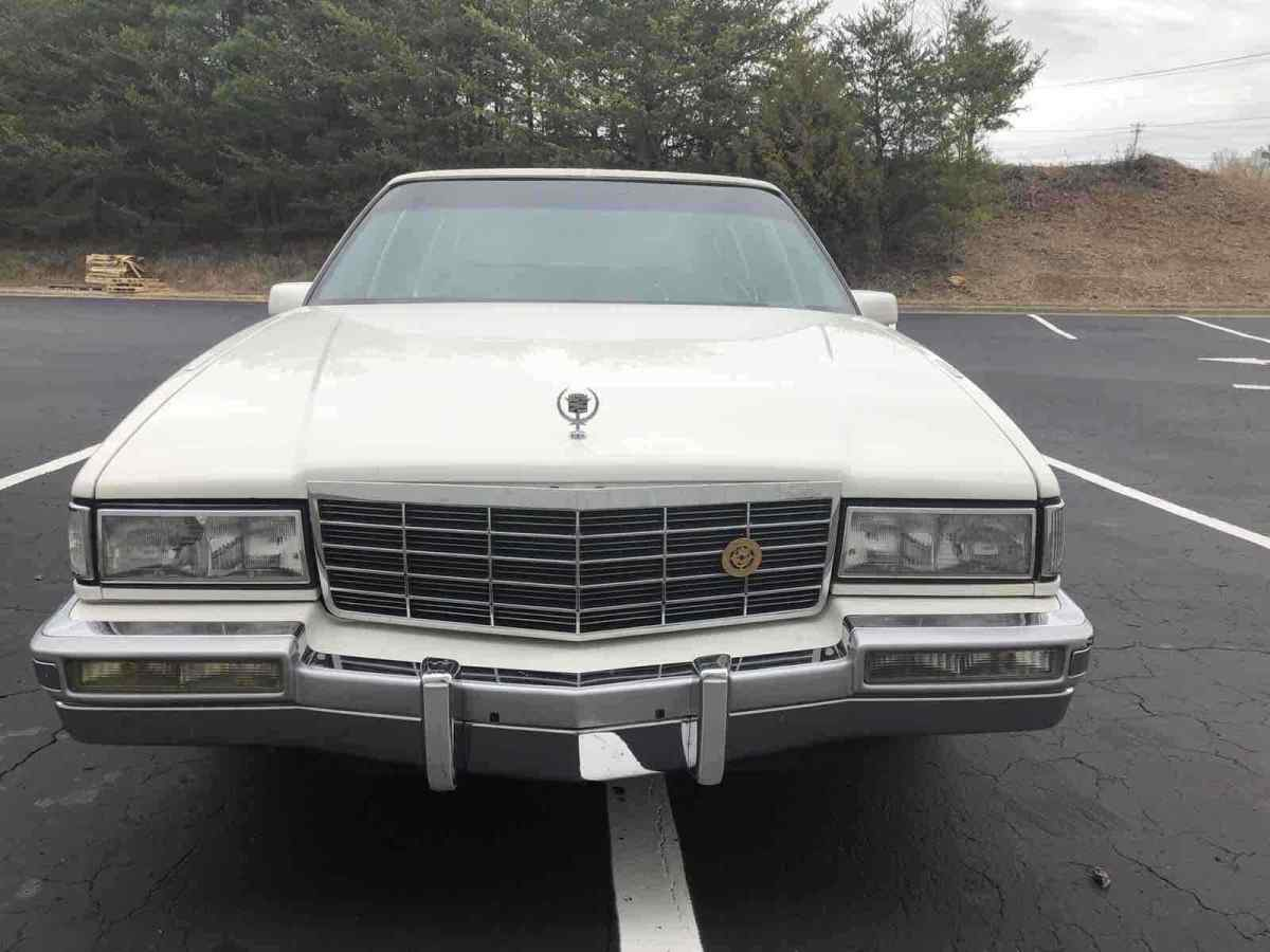1992 Cadillac Fleetwood Sedan White Fwd Automatic For Sale