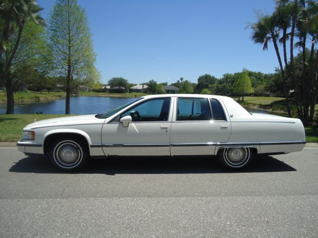 1993 CADILLAC FLEETWOOD BROUGHAM -JUST LIKE NEW CONDITION ...