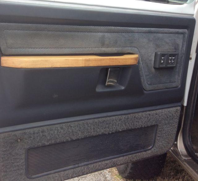 1993 Dodge Ramcharger Interior