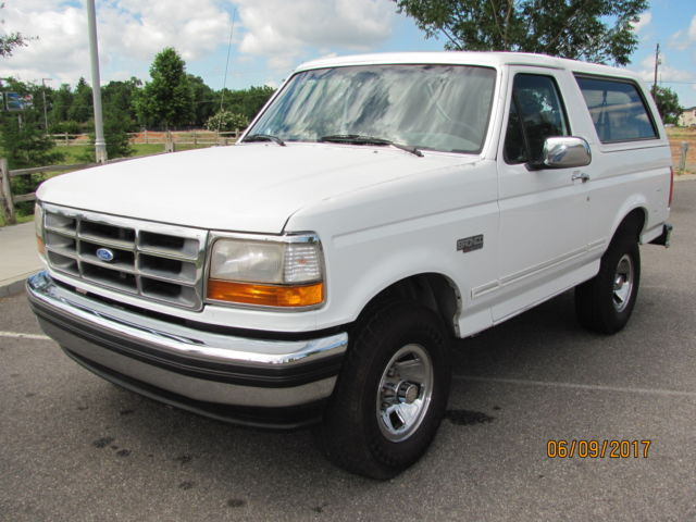 1993 ford bronco xlt 4x4 1 owner calif truck like new. Black Bedroom Furniture Sets. Home Design Ideas