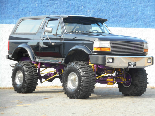 1993 ford bronco xlt 4x4 19k original miles custom show lifted truck for sale ford bronco. Black Bedroom Furniture Sets. Home Design Ideas