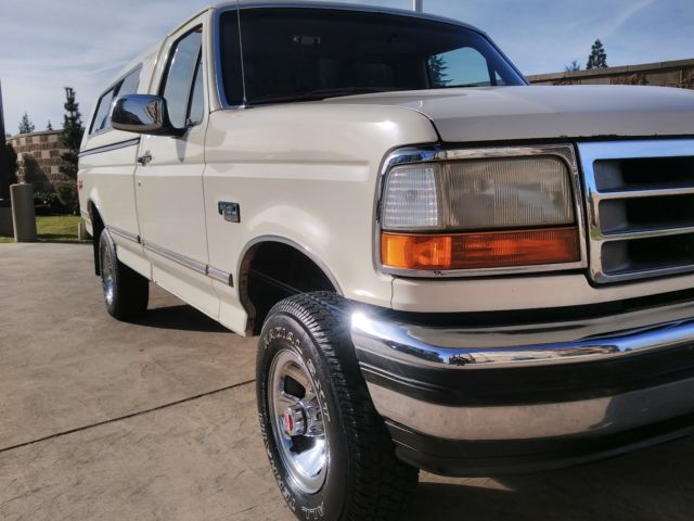 1993 ford f 150 xlt 4x4 300 inline 6cyl 5 speed in mint condition 112k miles for sale ford f. Black Bedroom Furniture Sets. Home Design Ideas