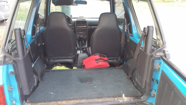 1993 GEO TRACKER CONVERTIBLE - Blue w/ Blue Seats Excellent