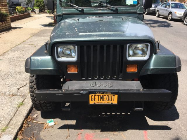 1993 jeep wrangler with new rims and tires 4 0 inline 6cyl automatic tranny for sale jeep. Black Bedroom Furniture Sets. Home Design Ideas
